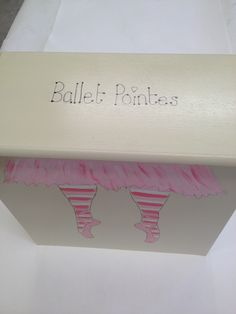 Storage for ballet pumps and pointes