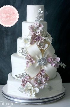 Jeweled bow cake