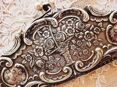 ❥ silver basket pattern