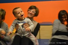 Knee Bounce Rhyme and activity - baby and mommy! - Giocare e Crescere Insieme!
