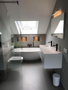 Simple bathroom layout on floor and color play between gray and white walls - Badezimmer Sloped Ceiling Bathroom, Loft Bathroom, Bathroom Layout, Bathroom Interior, Modern Bathroom, Bathroom Ideas, Slanted Ceiling, Bathroom Mirrors, Bathroom Colors
