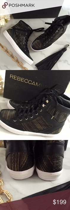 🆕 Rebecca Minkoff snakeskin sneakers Stay stylish in these genuine snakeskin sneakers from Rebecca Minkoff. Brand new and never worn and will come in box. Rebecca Minkoff Shoes Sneakers