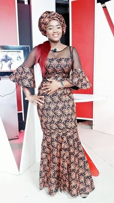 Love this and wanna make it OR you are a designer looking for tailors to work with? Kindly reach Gazzy Fashion Consults on whatsapp or calls via African Lace Dresses, Latest African Fashion Dresses, African Dresses For Women, African Attire, African Wear, African Women, Ankara Skirt And Blouse, Ankara Dress, African Inspired Clothing