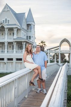 {Real Curvy Engagement} Engagement with a Modern Twist | Stacy Anderson Photography
