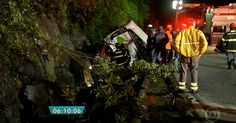 Ônibus com 46 passageiros capota na Rodovia Mogi-Bertioga; 18 morrem