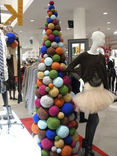 Window displays, Yarns and Display on Pinterest