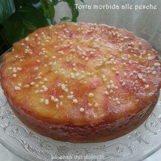 Buongiorno a tutti!!!   Ecco una bella idea per una colazione sana e golosa: torta morbida alle pesche, leggera, semplice, veloce da prepar...
