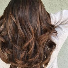 Hair Color Ideas For Brunettes With Red Ideas Brown Hair 2017 Dyed Hair Straight Hair Color Ideas For Brunettes Bright Brown Hair Caramel Balayage, Caramel Hair Dye, Balyage Caramel, Chocolate Caramel Hair, Hair Colours Caramel, Balyage Hair, Wedding Hair Colors, Hair Color Formulas, Corte Y Color