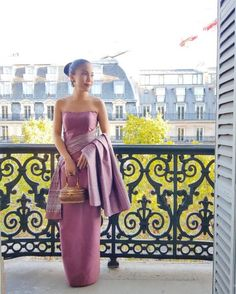 Traditional Dresses Designs, Vintage Baby Dresses, Thai Dress, Joan Smalls, Thai Style, Silk Dress, Pretty Dresses, Designer Dresses, Strapless Dress