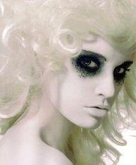 Mummy Halloween makeup idea