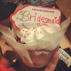 A creative way to ask your bridesmaids to be in your wedding. Make your own tags and put them in your favorite cupcakes! Cupcakes courtesy of Scratch Cupcakery Cedar Falls, Iowa <3