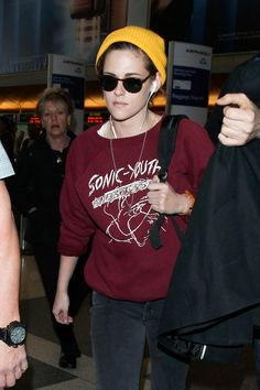Kristen Stewart departing on a flight at LAX airport in Los Angeles, California on November 17, 2014.