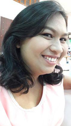 ยิ้มเขินๆ