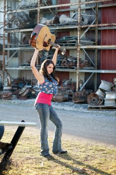 senior picture ideas for girls, country music, cowboy hats, boots, trucks, Kaylee Rutland, click the pic to see more photography