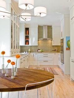 Modern Kitchen Design Photo by Venegas and Company.a boston kitchen design studio Album - Kitchen Designs, Sudbury Kitchen Eclectic Kitchen, New Kitchen, Kitchen Dining, Kitchen Decor, Kitchen White, Dining Room, Kitchen Layout, Dining Table, Cheap Kitchen