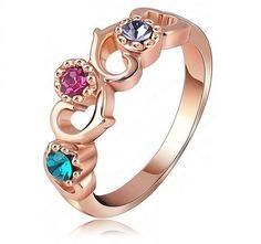 Poze Inel hearts placat cu aur inel cu cristale si inimioare pentru indragostiti de black friday http://www.bijuteriifrumoase.ro/cumpara/inel-hearts-placat-cu-aur-310