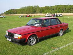 Volvo 240 GLT the best Volvo. RWD .