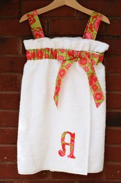 DIY Towel Wraps-- This is for kids, but you can easily make it for adults too. Great for Christmas Presents or Bridesmaid's Gifts!
