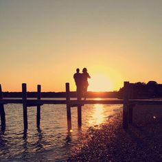 Couple watching the #sunet