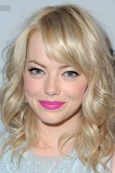 Pink lips. Black eyeliner. Perfect.