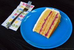 Healthy Busy Day Cake from the Healthy Indulgences blog. Sugar- and gluten-free yellow cake that is easy to make and so yummy!