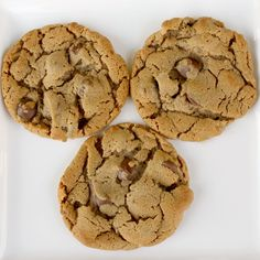 Five ingredient peanut butter chocolate chip cookies: PB, brown sugar, 1 egg, baking soda and chocolate chips. No flour or butter!