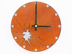Beschreibung--- Diese moderne Uhr ist inspiriert von meiner Kindheit. Aufgewachsen, war ich sehr daran interessiert, die Art und Weise Dinge