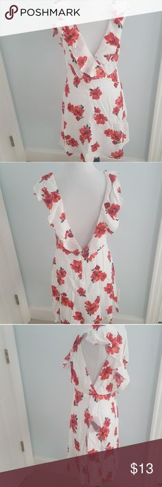 Forever 21 Floral Flutter Sleeve Dress NEW NWT.Gorgeous dress. It looks exactly like a tularosa dress I wanted from shopbop. It was small on me and I missed the window if return. This dress is nicely made and is lined. Forever 21 Dresses