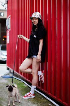 Write to the people of the street Vans Fashion, Vans Style, Busan, Street, People, How To Wear, People Illustration, Walkway, Folk