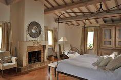 17th Century Farmhouse Converted Into An Elegant Spacious House