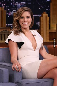 Sophia Bush insists she& happy with curvy figure as she shows it . Hottest Female Celebrities, Beautiful Celebrities, Beautiful People, Celebs, Beautiful Women, Stunningly Beautiful, Sophia Bush Bikini, Sophie Bush, Thing 1