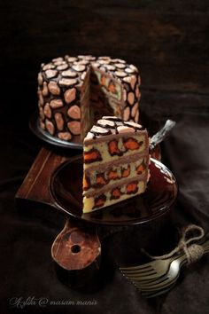 masam manis: How to make a LEOPARD CAKE / CHEETAH CAKE