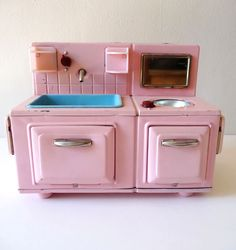 The Cutest Little 50s Toy Kitchen Our Real Had A Pink Fridge And