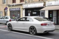 White Audi RS5, we give it a 10/10!
