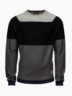 sport sweatshirt blac, black and gray colors Mode Masculine Fashion, Urban Outfits, Fashion Outfits, Trendy Mens Fashion, Dope Fashion, Style Masculin, Le Polo, Denim Jeans Men, Mens Clothing Styles