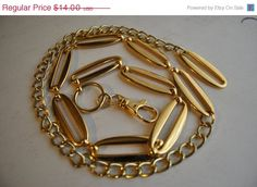 Christmas in July Womens Gold tone Round Oblong by vintagefinds61, $12.60