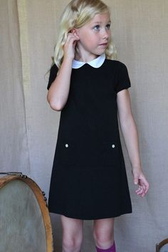 trapeze dress. must learn to sew to make a mini version of this for my little lady. looks pretty simple and i'm in love with the peter pan collar!