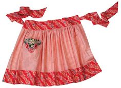 """Sewing Retro Patterns one yard apron tutorial and free pattern - This cute half apron with pockets works well for cooking or entertaining. In """"The Apron Book -- Making, Wearing and Sharing a Bit of Cloth and Comfort,"""". Half Apron Patterns, Apron Pattern Free, Vintage Apron Pattern, Aprons Vintage, Vintage Sewing Patterns, Retro Apron, Pattern Sewing, Dress Patterns, Sewing Aprons"""