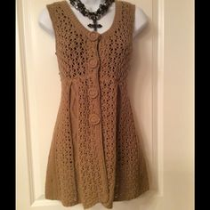 Tan knitted sleeveless sweater In great condition sleeves knitted sweater BCBGMaxAzria Sweaters