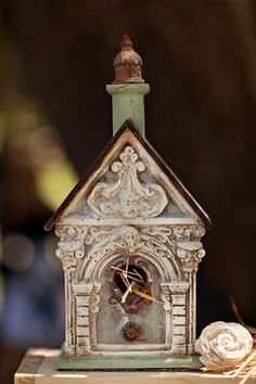 Victorian birdhouse - what..it doesn't say Victorian Homes for Human  ya know