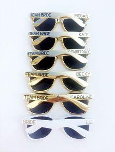 Personalisierte Sonnenbrillen, ganz einfach mit einen Permanentmarker. Perfekt für den JGA