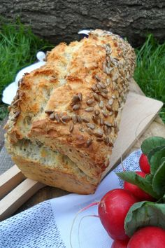 Waniliowy, Lawendowy, Biały...: CHLEB owsiany Vegetarian Recipes, Cooking Recipes, Good Food, Yummy Food, Bread And Pastries, Food Inspiration, Cake Recipes, Food And Drink, Easy Meals