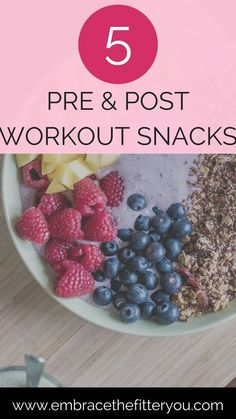 5 pre workout and post workout snacks to eat to help keep you energized and healthy! Health and nutrition tips.