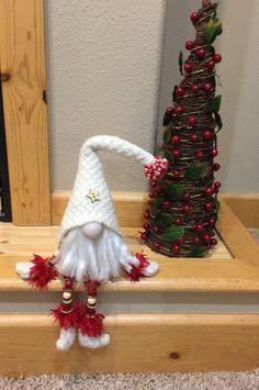 Lutin de Noël décoration gnome par HeidisGnomes sur Etsy