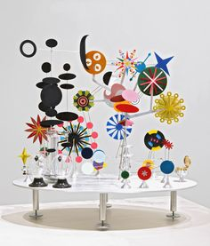 Edgar Orlaineta, Solar Do (It-Yourself) Nothing Toy. After Charles Eames, Courtesy of the artist. Charles Eames, Mobile Art, Hanging Mobile, Ecole Art, Kinetic Art, Collaborative Art, Abstract Sculpture, Art Plastique, Art Lessons