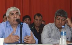 Imputaron a Hugo Moyano y a su hijo Pablo por reventa de entradas en Independiente http://www.eldia.com/nota/2018-1-25-10-31-0-imputaron-a-hugo-y-pablo-moyano-por-reventa-de-entradas-en-independiente-politica-y-economia  http://fmexcalibur.com/Reproductor.html