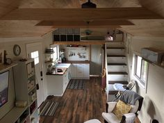 39′ Hand-Crafted Gooseneck Tiny house w/ loft
