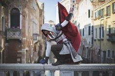 Awesome Cosplay of Ezio.....