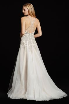 Style 6608 Comet Back View
