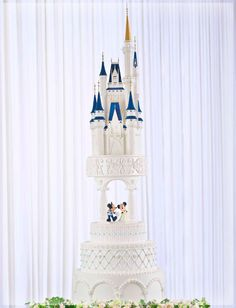 Another Amazing Disney Wedding Cake - love the addition of Mickey and Minnie!
